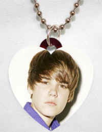 Bieber4 necklace.jpg (66776 bytes)